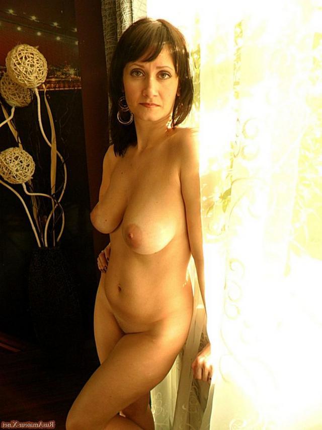 Роскошная мамаша средних лет